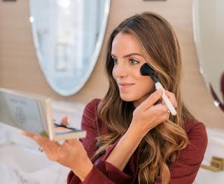 Gunakan Make Up Tipis