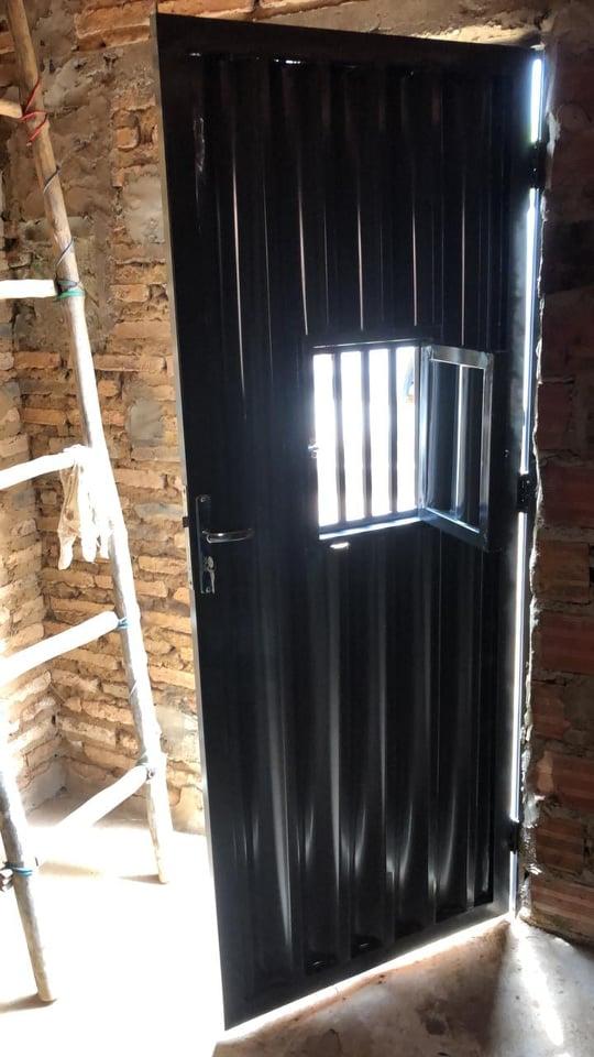 Elesbão Veloso: querendo dinheiro, jovem com 24 anos tenta arrebentar porta de casa onde estavam mãe e avó; acusado foi preso.