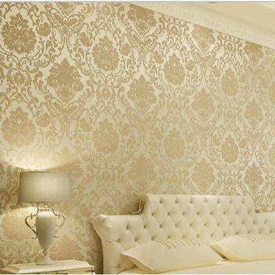 Wallpaper Dinding Kamar Tidur Warna Emas Romantis Terbaru