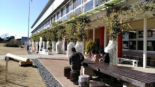 道の駅、保田小学校は交社を利用したお店が色々あります。