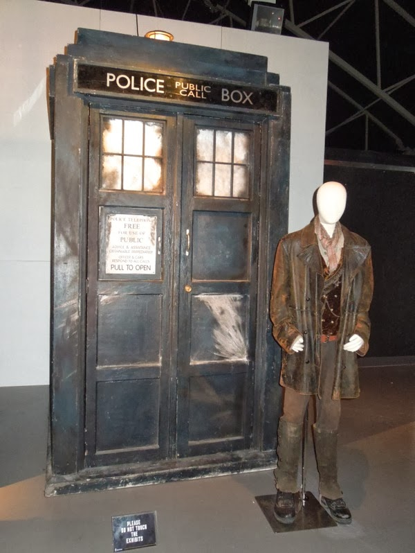 John Hurt War Doctor Who costume TARDIS