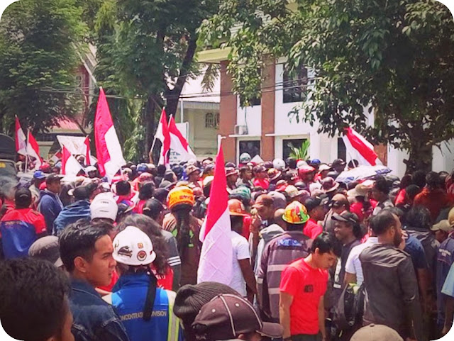Ribuan Massa PUK SPSI Serukan Stop Kriminalisasi Sudiro