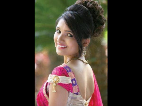 tv serial actress vani bhojan pic