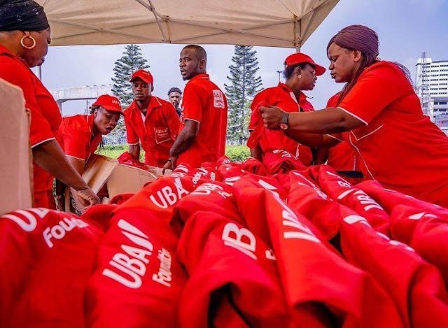 Wizkid Serves Less Privileged At UBA Foundation Drive