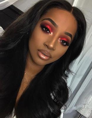 Maquillaje rojo sencillo
