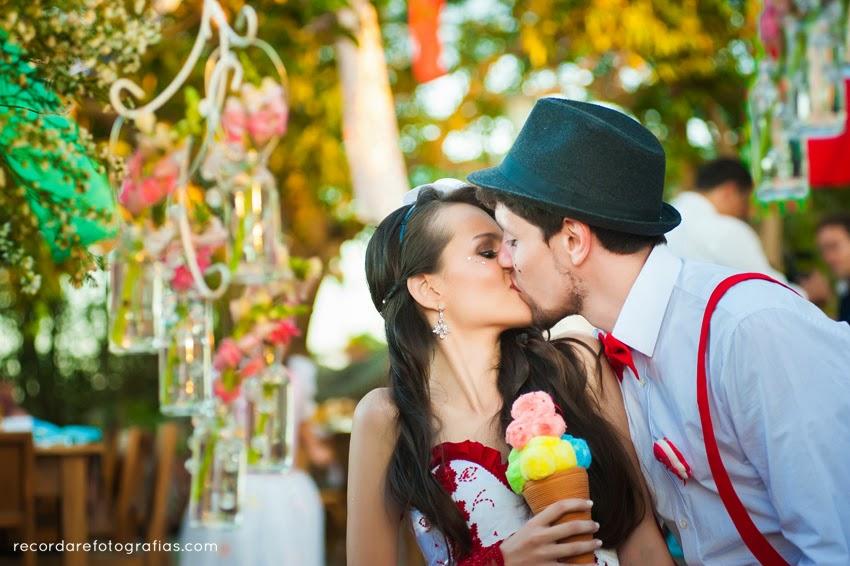 casamento-magico-layane-andre-beijo-noivos