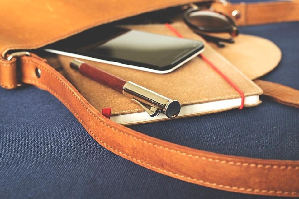 Torebka czy plecak do szkoły - co warto wybrać?