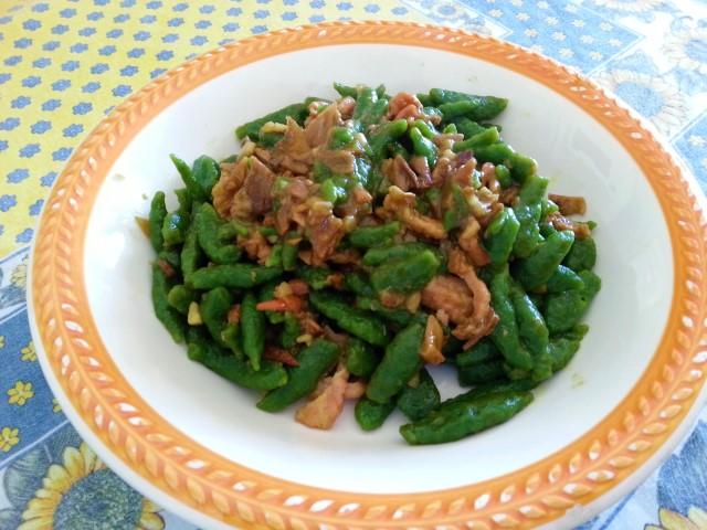 Spätzle agli spinaci con i funghi