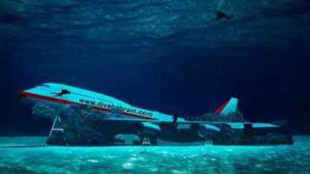 Το μεγαλύτερο στον κόσμο θαλάσσιο πάρκο έχει ένα Boeing στον βυθό του