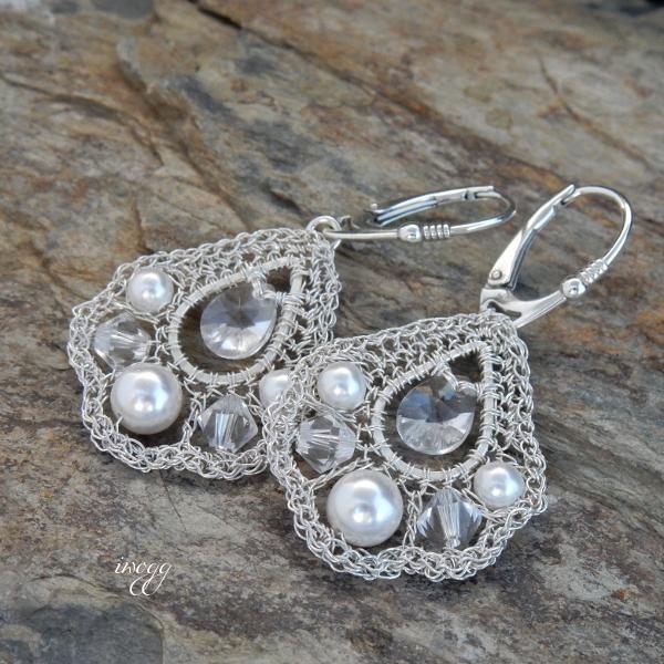kolczyki z perłami w stylu retro