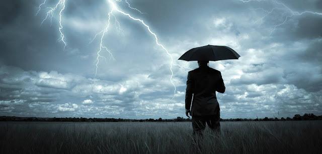 Έρχεται βροχή, έρχεται μπόρα...