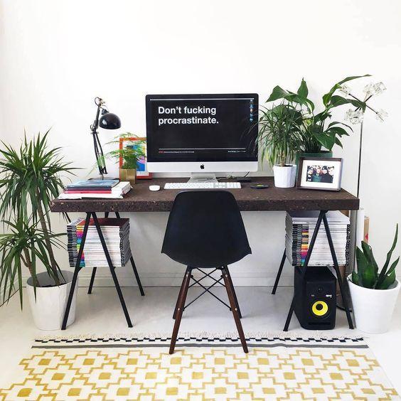 современное место для работы дома