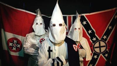 Partidarios del grupo extremista y racista Ku Klux Klan (KKK) en Estados Unidos.