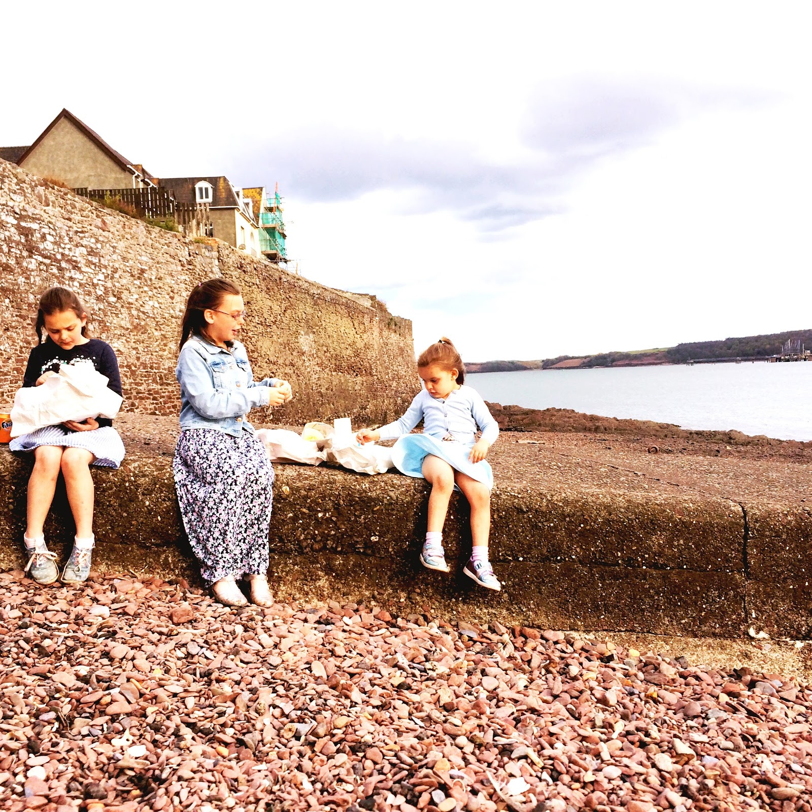 , School Runs and Chips on the Beach #countrykids