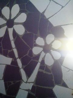 Manfaatkan Pecahan Keramik Untuk Interior-Eksterior