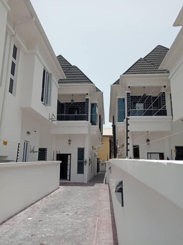 4 Bedroom Fully Detached duplex close to shoprite, Osapa London lekki