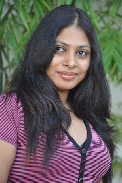 Tamil Actress Victoria Hot looking photos Navel Queens