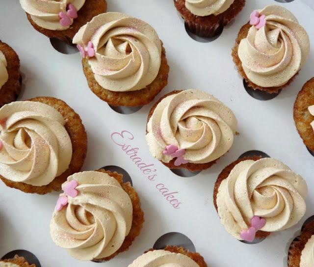 Cupcakes de plátano con crema de dulce de leche 2