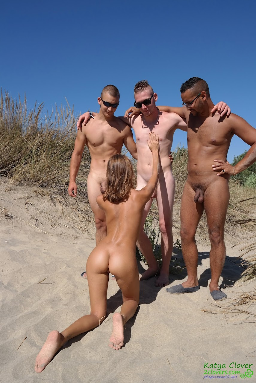 [2Clovers.Com] Clover - 3 Dicks Beach Adventure