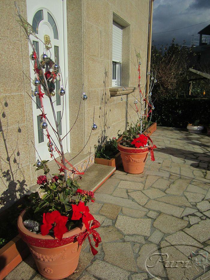 adornos navideos en el jardin