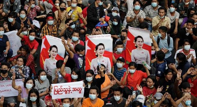 Csatlakoznak a mianmari tanárok a tüntetéshez
