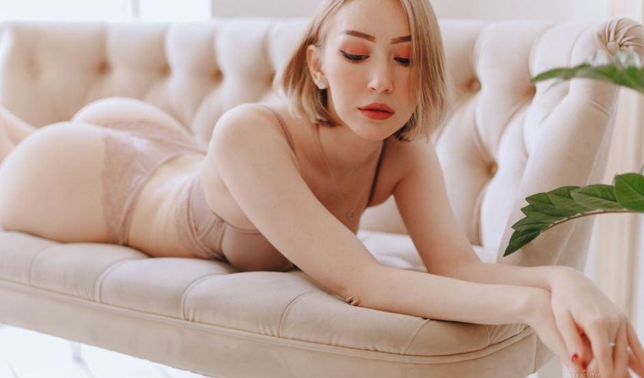 https://www.glamourcams.live/chat/MayaSunlight