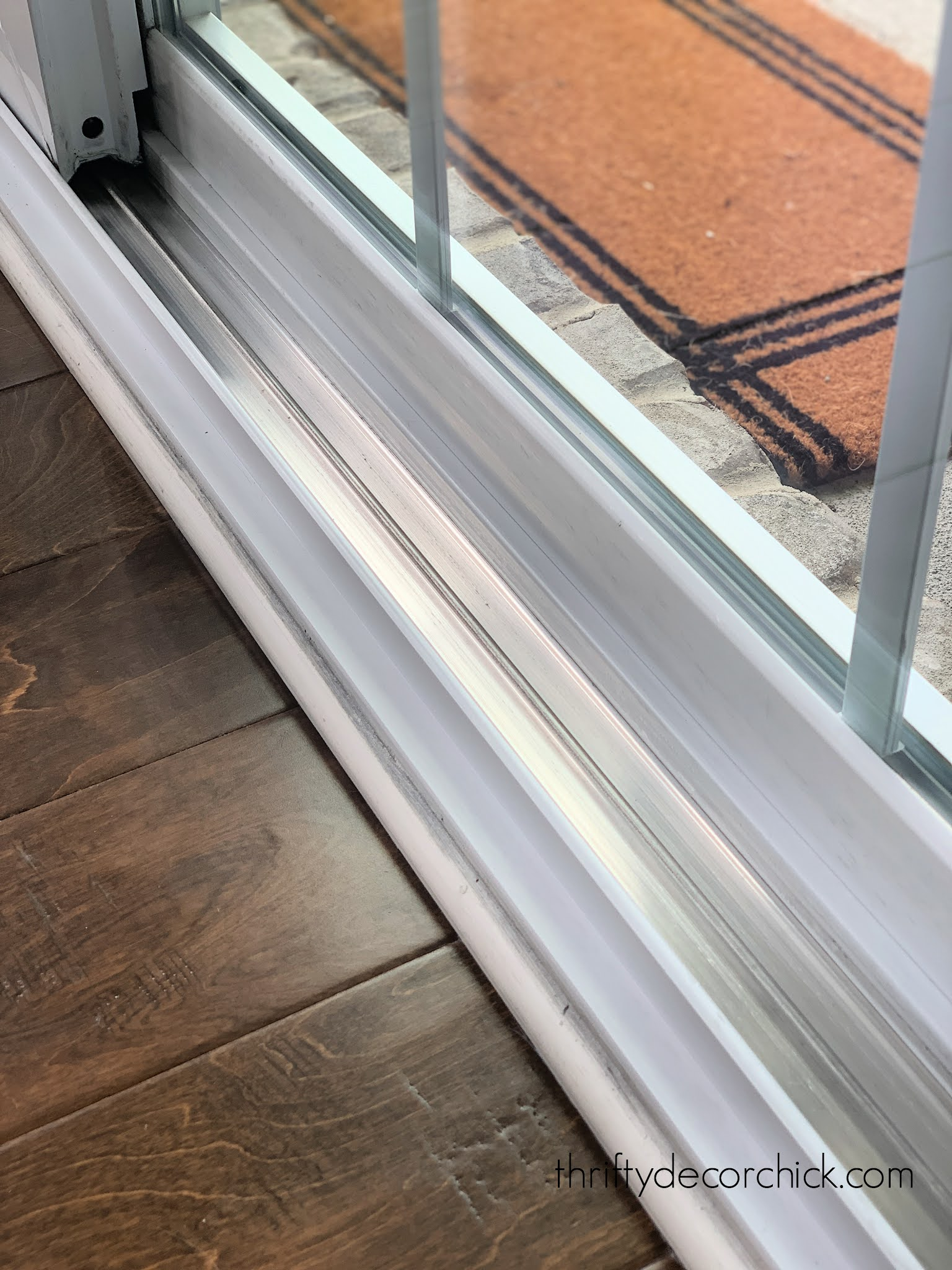 easily clean sliding door track