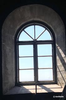 Isokarin majakan ikkuna