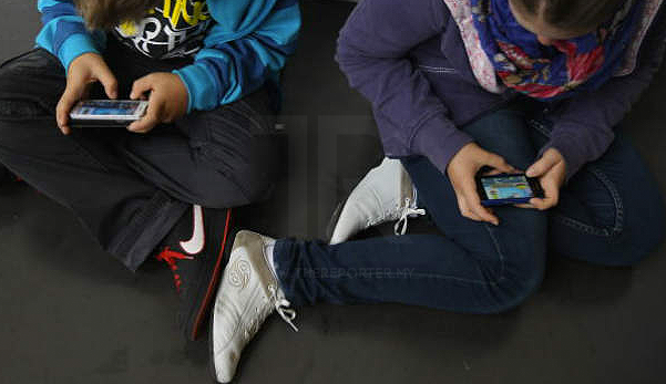 Jangan bagi anak install WhatsApp, WeChat dan aplikasi seumpamanya dalam smartphone