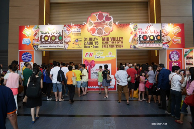 The 9th Tastefully Food & Beverage Expo 2015 @ Midvalley Megamall (crowd lining up before it opened)