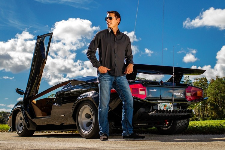 hong kong watch fever from cannonrun to lamborghini countach waterman. Black Bedroom Furniture Sets. Home Design Ideas