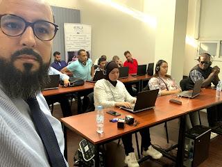 صورة للمشاركين في التكوين من داخل قاعة التدريس