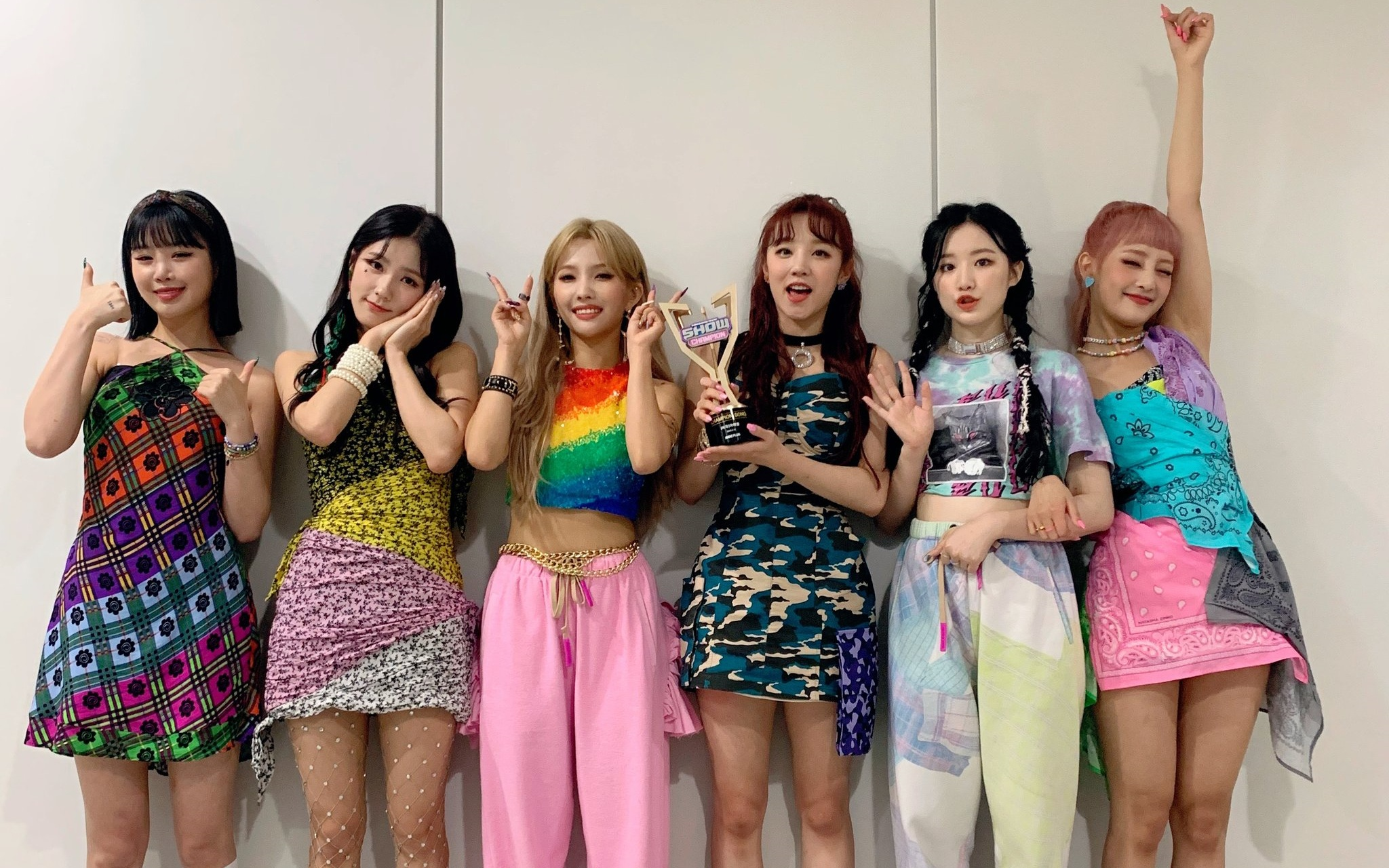 (G)I-DLE Takes Home The 1st Trophy For 'DUMDi DUMDi' on 'Show Champion'