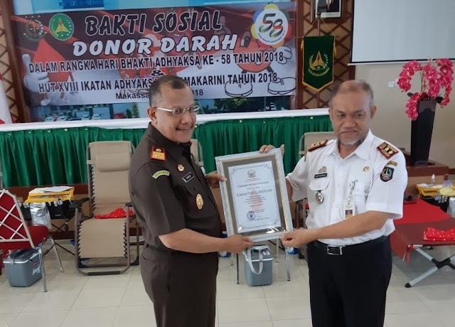 Kajati Sul Sel dan Ketua IAD Beserta Jajarannya Lakukan Donor Darah