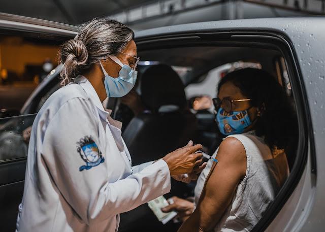 Patos amplia vacina contra Covid para 35 anos ou mais no drive-thru desta sexta (16)
