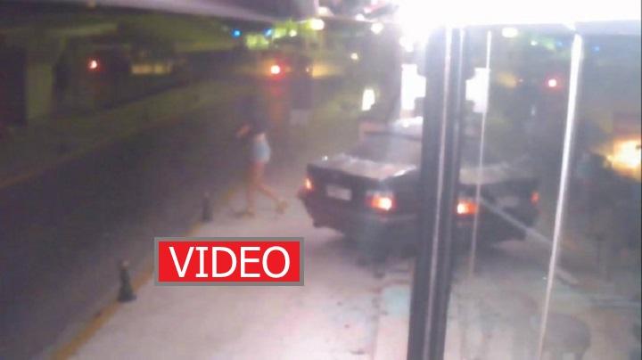 Κέρκυρα: Βίντεο ντοκουμέντο από φοβερό τροχαίο που κόβει την ανάσα - Αυτοκίνητο μπαίνει σε μπαρ [video]