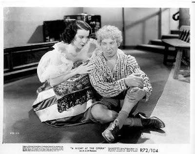 A Night At The Opera Marx Brothers Image 13