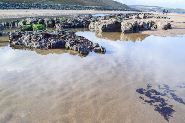 Walking Whitby to Sandsend - rock pools on the beach