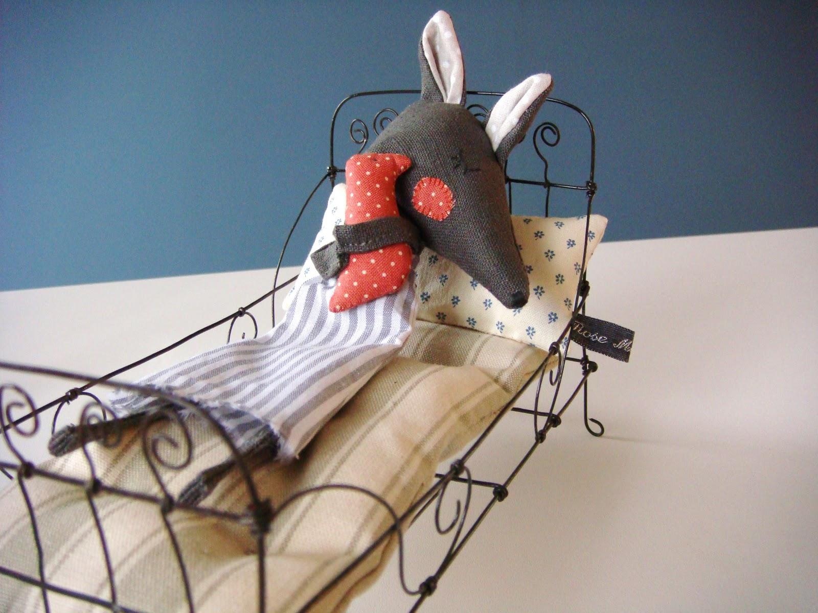 rose minuscule une sieste pour deux. Black Bedroom Furniture Sets. Home Design Ideas