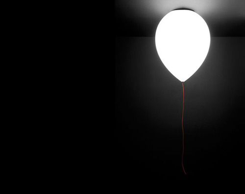 Balloon light by Estiluz