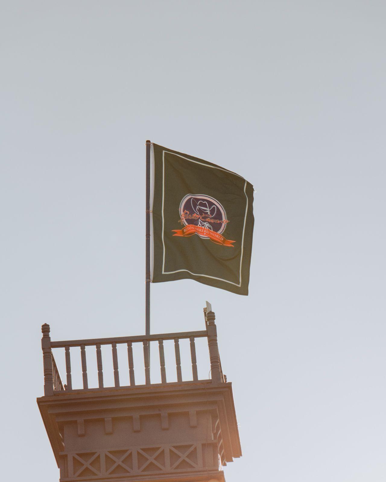 bandeira beto carrero world