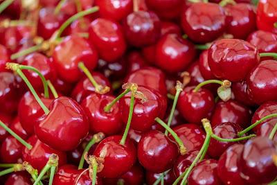 Satu buah ceri yang segar mengandung 1 gram karbohidrat