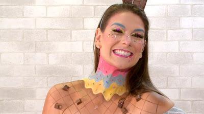 Apresentadora com make inspirada em sorvete - (Foto: SBT/Divulgação)