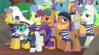 Rarity and her porter ponies