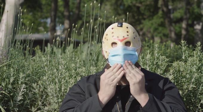 Máscara, el comercial que hace reflexionar a los neoyorquinos sobre el uso de tapabocas con 'Jason de Viernes 13'