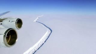 https://freshsnews.blogspot.com/2017/07/13-apokollithike-terastio-pagovoyno-stin-antarktiki-pics-vid.html