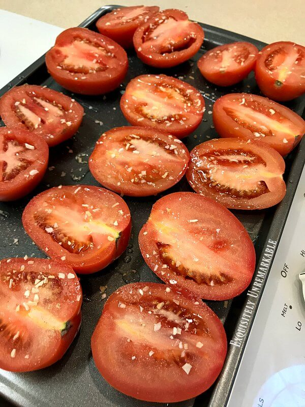 Tomatoes on a tray for easy sauce recipe