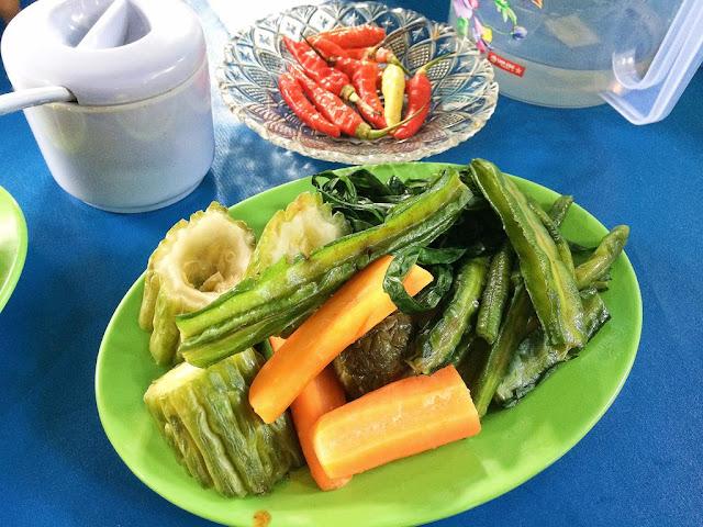 nasi ikan pindang mbok yah khas palembang