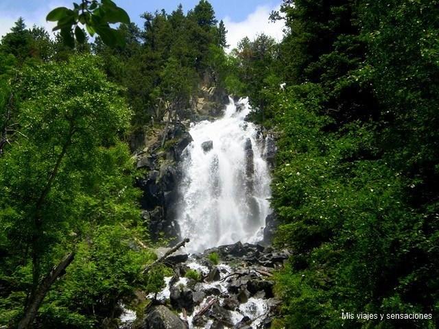 Cascada de la ratera,  Parque Nacional de Aigüestortes, Lleida