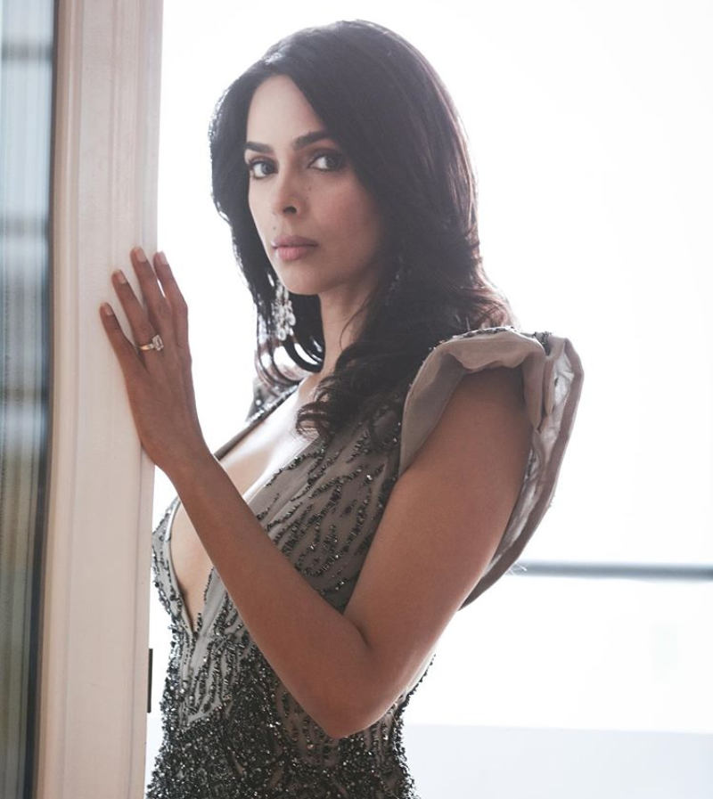 Mallika Sherawat Biography, Age, Height, Family, Boyfriend